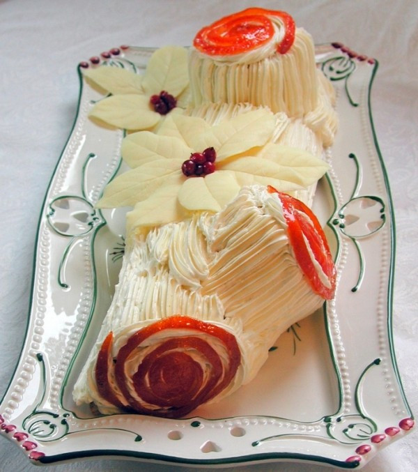 Traditional French Christmas Desserts  What to Eat in France Bûche de Noël