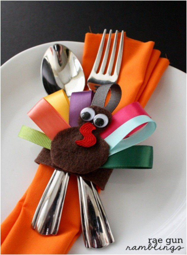 Turkey Decorations For Thanksgiving  23 Neat Inexpensive DIY Thanksgiving Decorations For Every