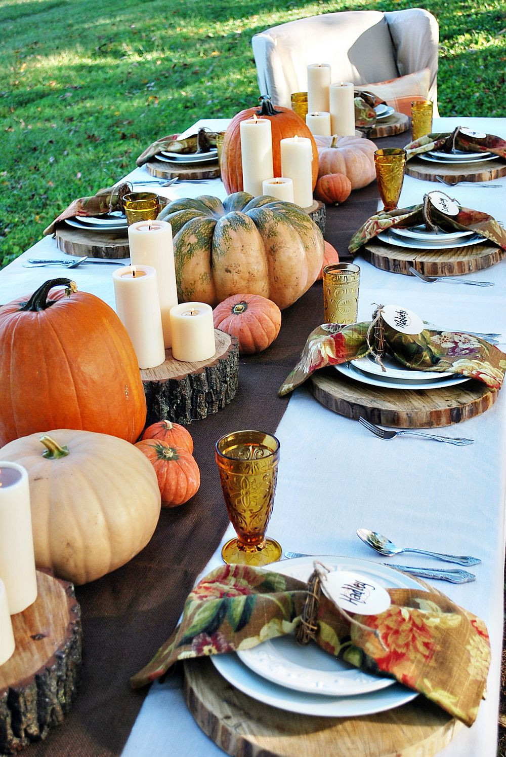 Turkey Decorations For Thanksgiving  15 Outdoor Thanksgiving Table Settings for Dining Alfresco