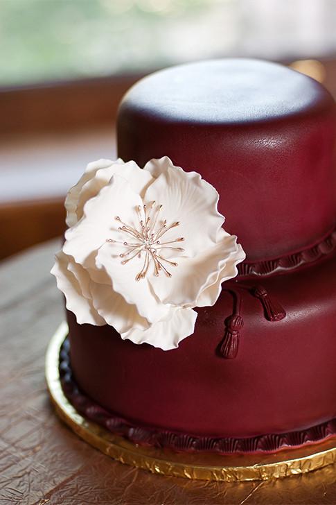 Wedding Cakes Sioux Falls Sd  Burgundy Wedding Cake The Cake Lady Sioux Falls