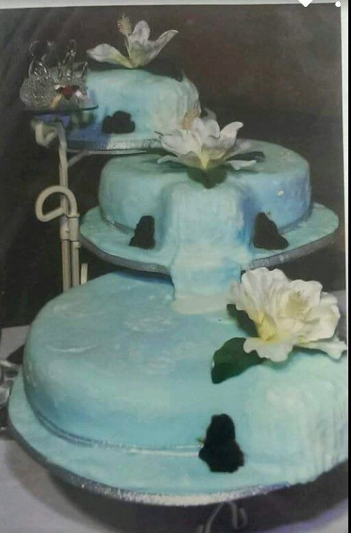 Wedding Cakes With Waterfalls  17 Best images about food&wedding cakes on Pinterest