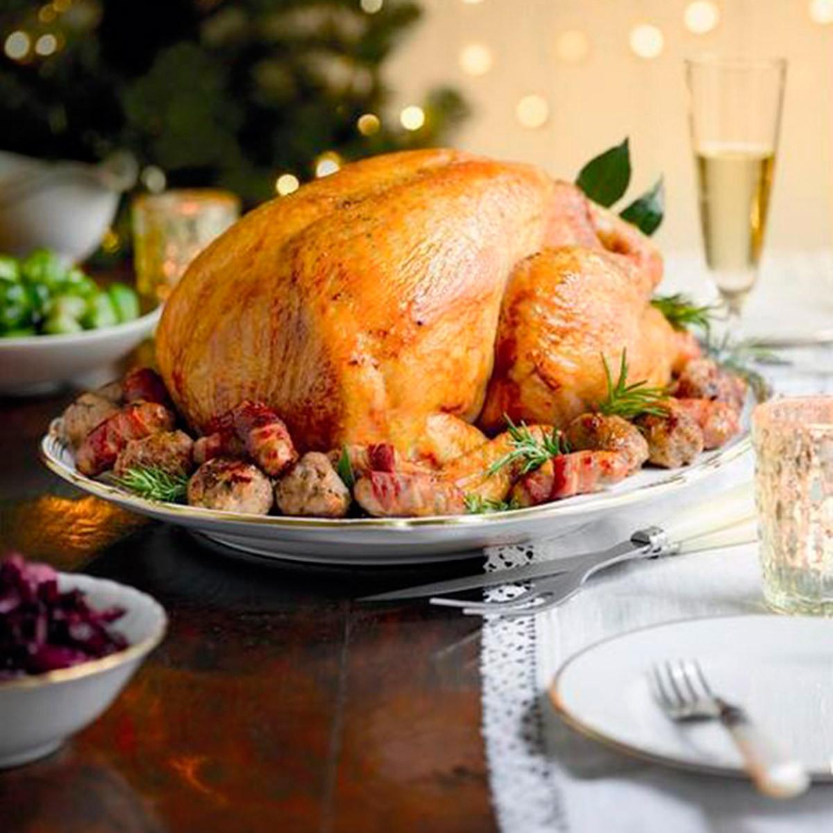 Whole Foods Thanksgiving Dinner Review  Lisa Faulkner s tips for how to cook Christmas dinner