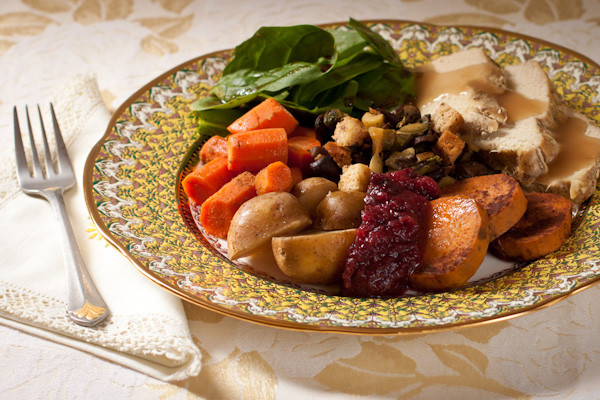 Whole Foods Thanksgiving Dinner Review  Thanksgiving dinner for two Slow cooker